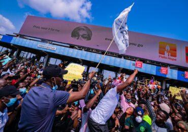 Sanwo-Olu  Meets Buhari Tuesday, As Violence Creeps Into EndSARS Protest In Lagos