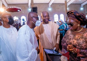 GOV SANWO-OLU AT THE FUNERAL SERVICE OF CHIEF (MRS.) ABIGAIL AMOPE OMOHOLAGBE MAKINDE (MOTHER OFTHE OYO STATE GOVERNOR) SEYI MAKINDE, AT THE CATHEDRAL OF ST. PETER, AREMO, IBADAN, ON FRIDAY, DECEMBER 4, 2020